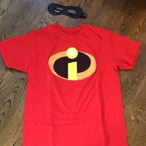 Hallowee Costume: Mr. Incredible